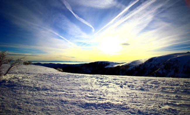 levé de soleil sur les montagnes vosgiennes depuis le hohneck